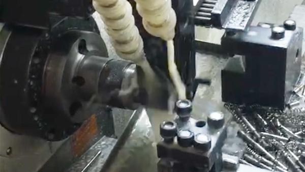 平轨数控车床+尾座自动送料